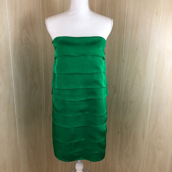 Sale Woman Green Tiered Dress Medium